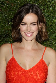 Elizabeth Henstridge Pics, Celebrity Collection