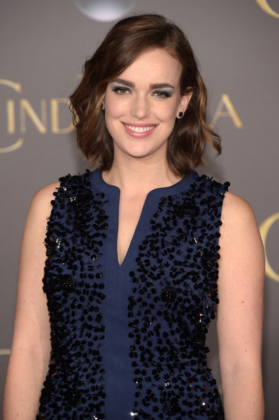 HD Quality Wallpaper | Collection: Celebrity, 399x600 Elizabeth Henstridge