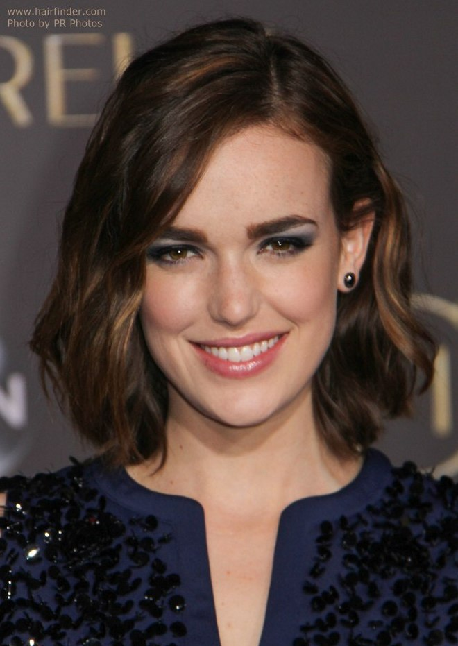 Elizabeth Henstridge Backgrounds on Wallpapers Vista