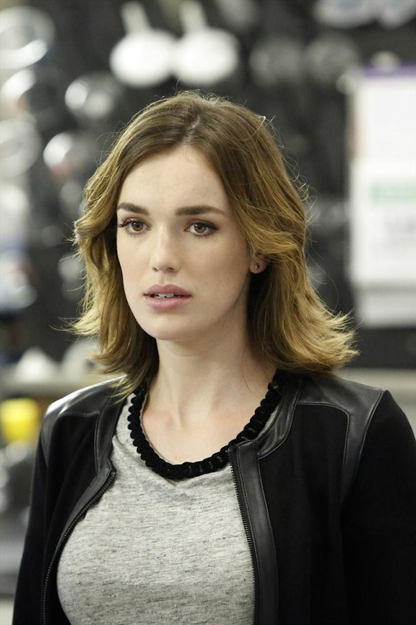 Images of Elizabeth Henstridge | 827x1242