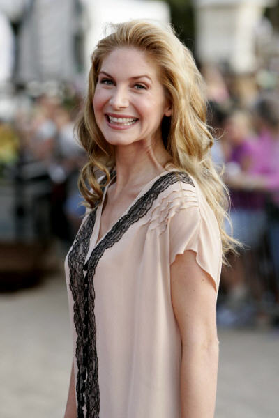 HD Quality Wallpaper | Collection: Celebrity, 400x600 Elizabeth Mitchell