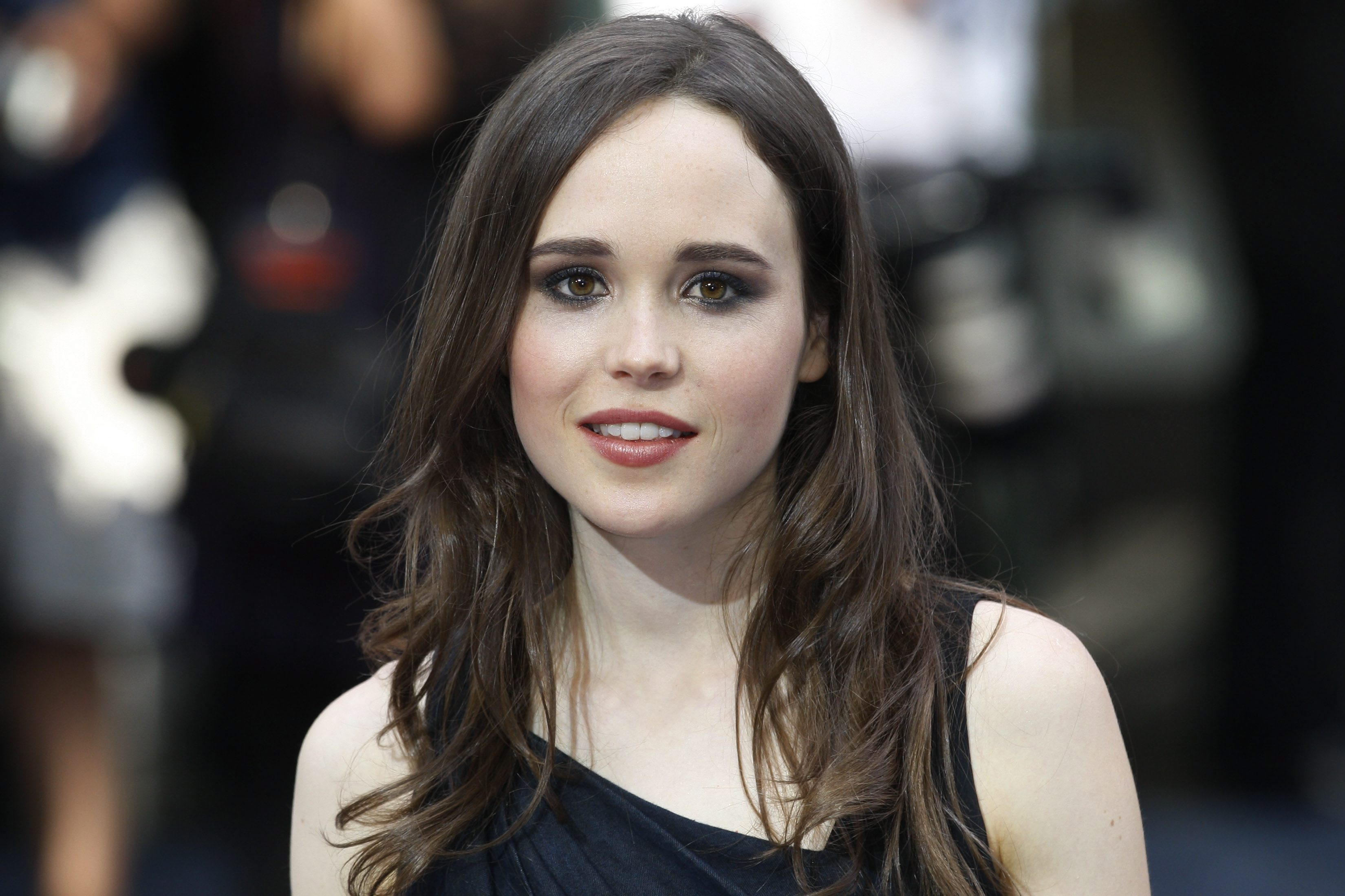 Amazing Ellen Page Pictures & Backgrounds