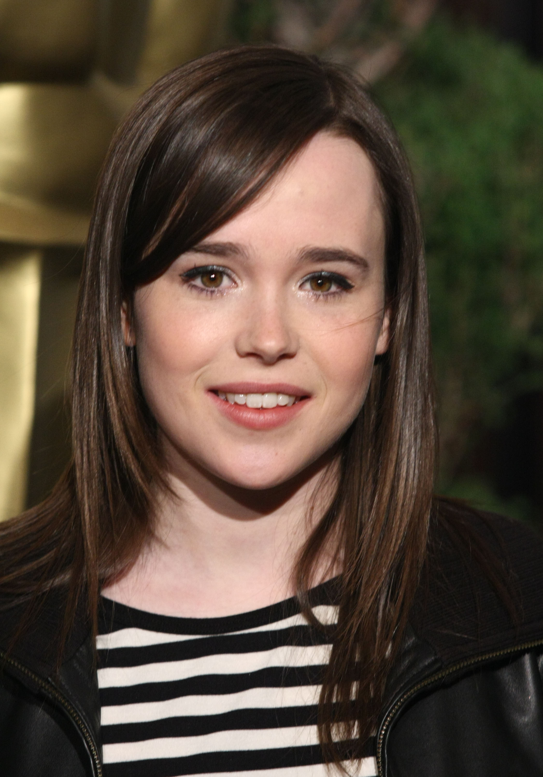 HD Quality Wallpaper | Collection: Celebrity, 2096x3000 Ellen Page