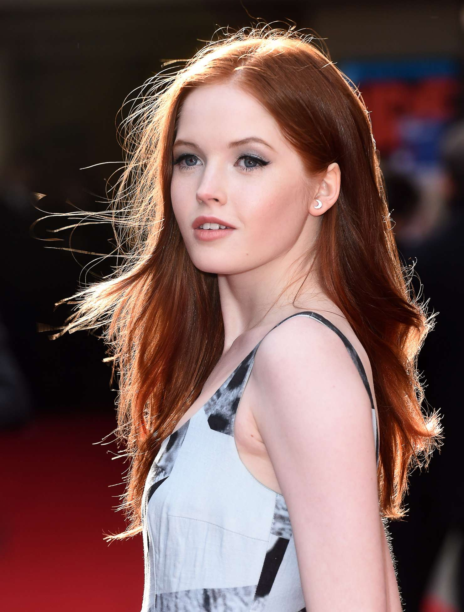 Nice wallpapers Ellie Bamber 1480x1950px