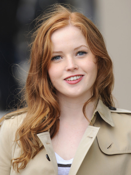 Amazing Ellie Bamber Pictures & Backgrounds