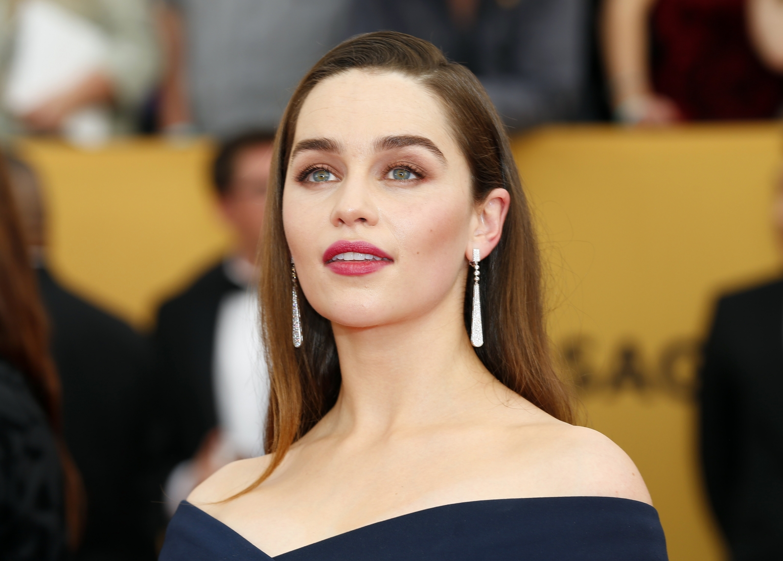 Emilia Clarke High Quality Background on Wallpapers Vista