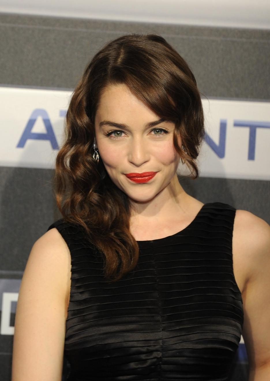 Emilia Clarke Backgrounds, Compatible - PC, Mobile, Gadgets| 936x1322 px