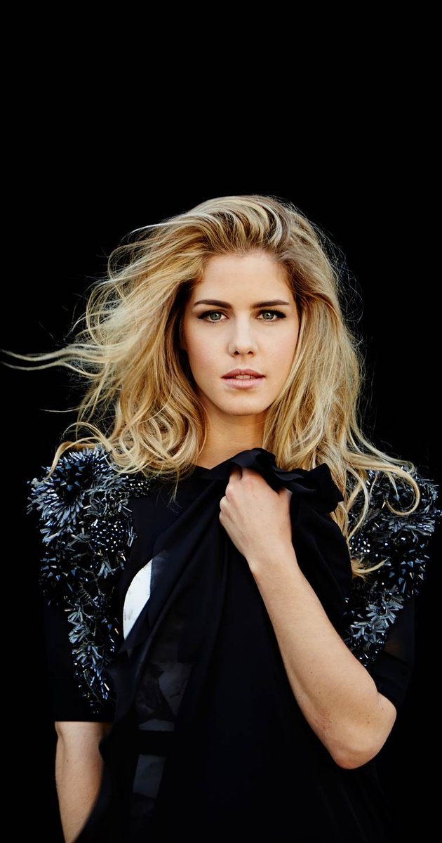 HD Quality Wallpaper | Collection: Celebrity, 630x1200 Emily Bett Rickards