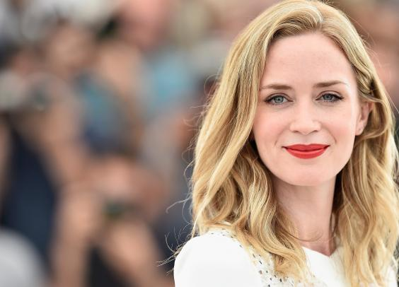 HD Quality Wallpaper   Collection: Celebrity, 564x406 Emily Blunt