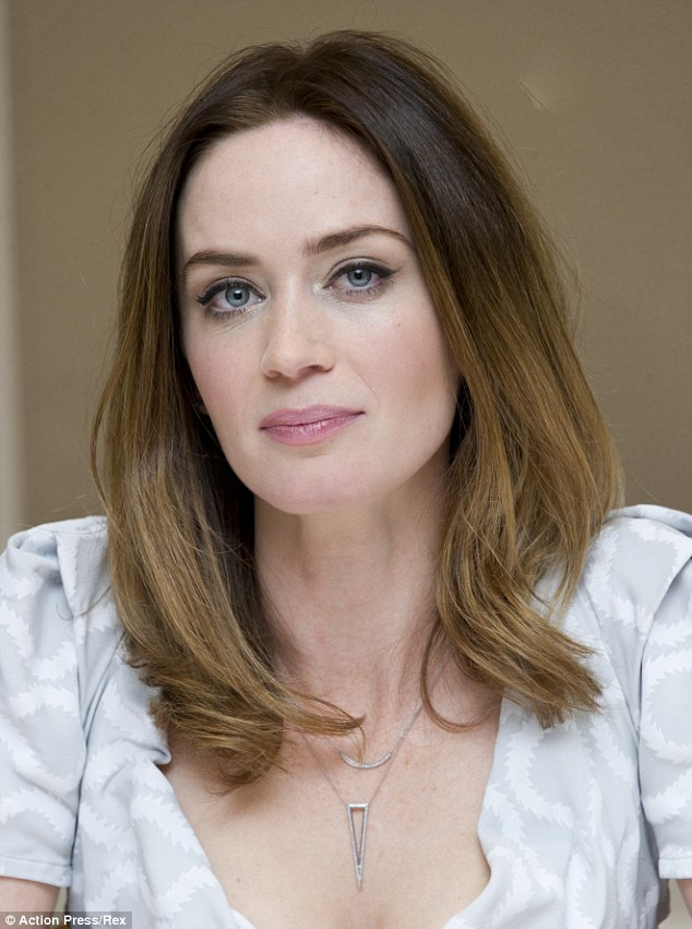 Nice Images Collection: Emily Blunt Desktop Wallpapers