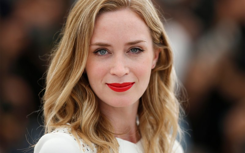HD Quality Wallpaper   Collection: Celebrity, 800x500 Emily Blunt