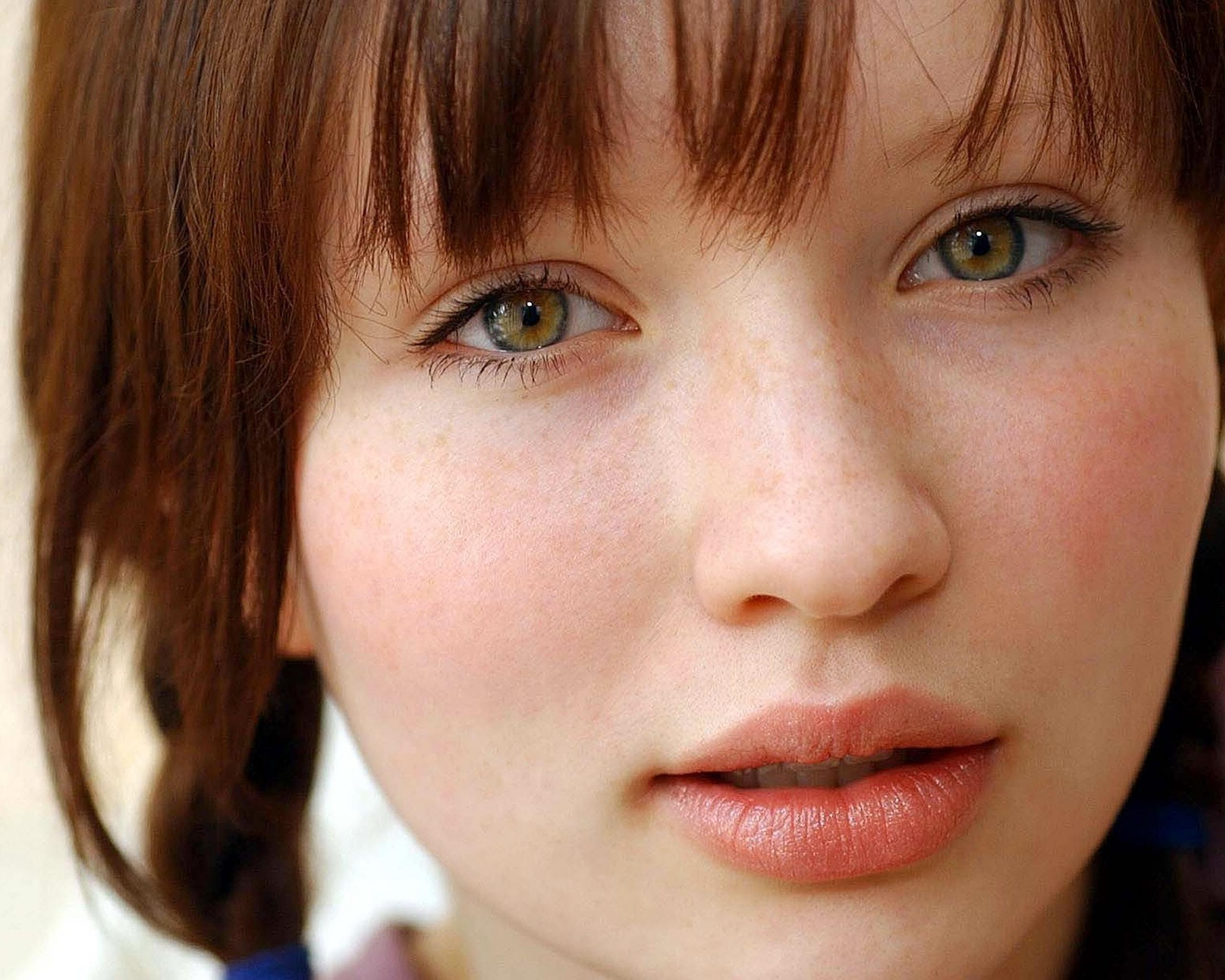 2560x2048 > Emily Browning Wallpapers