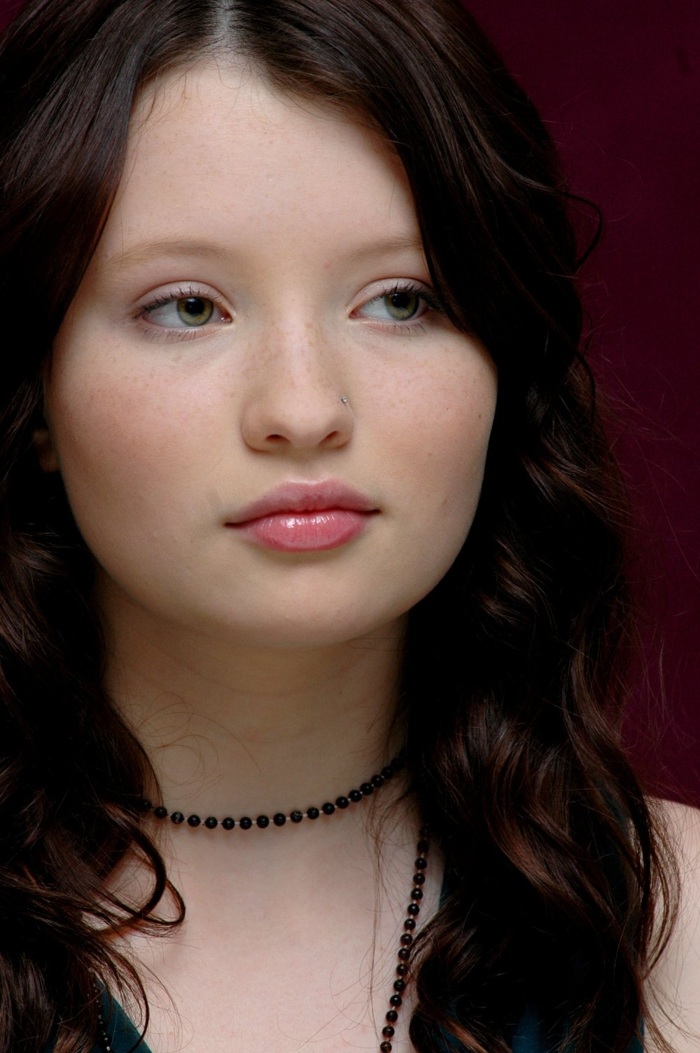 1000x1504 > Emily Browning Wallpapers