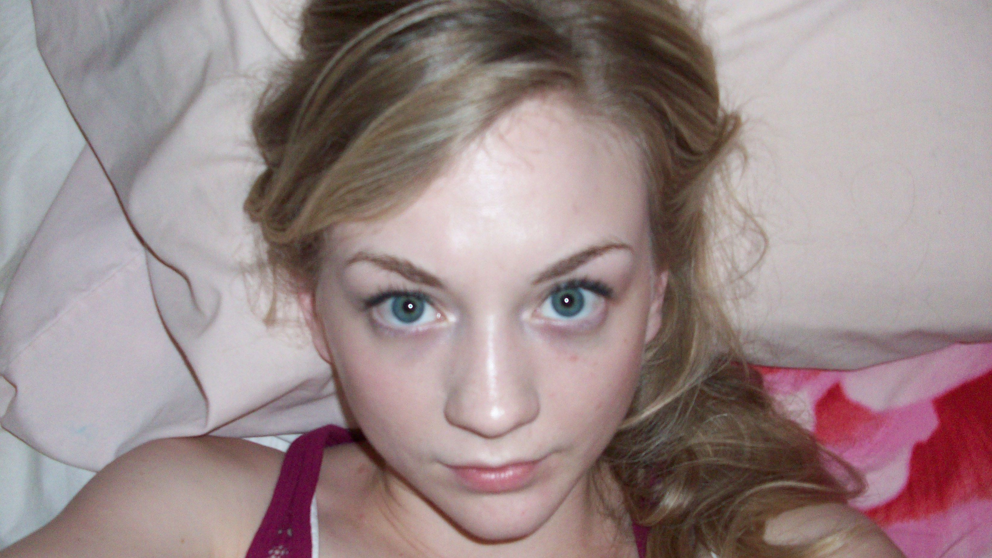 Emily Kinney Pics, Celebrity Collection