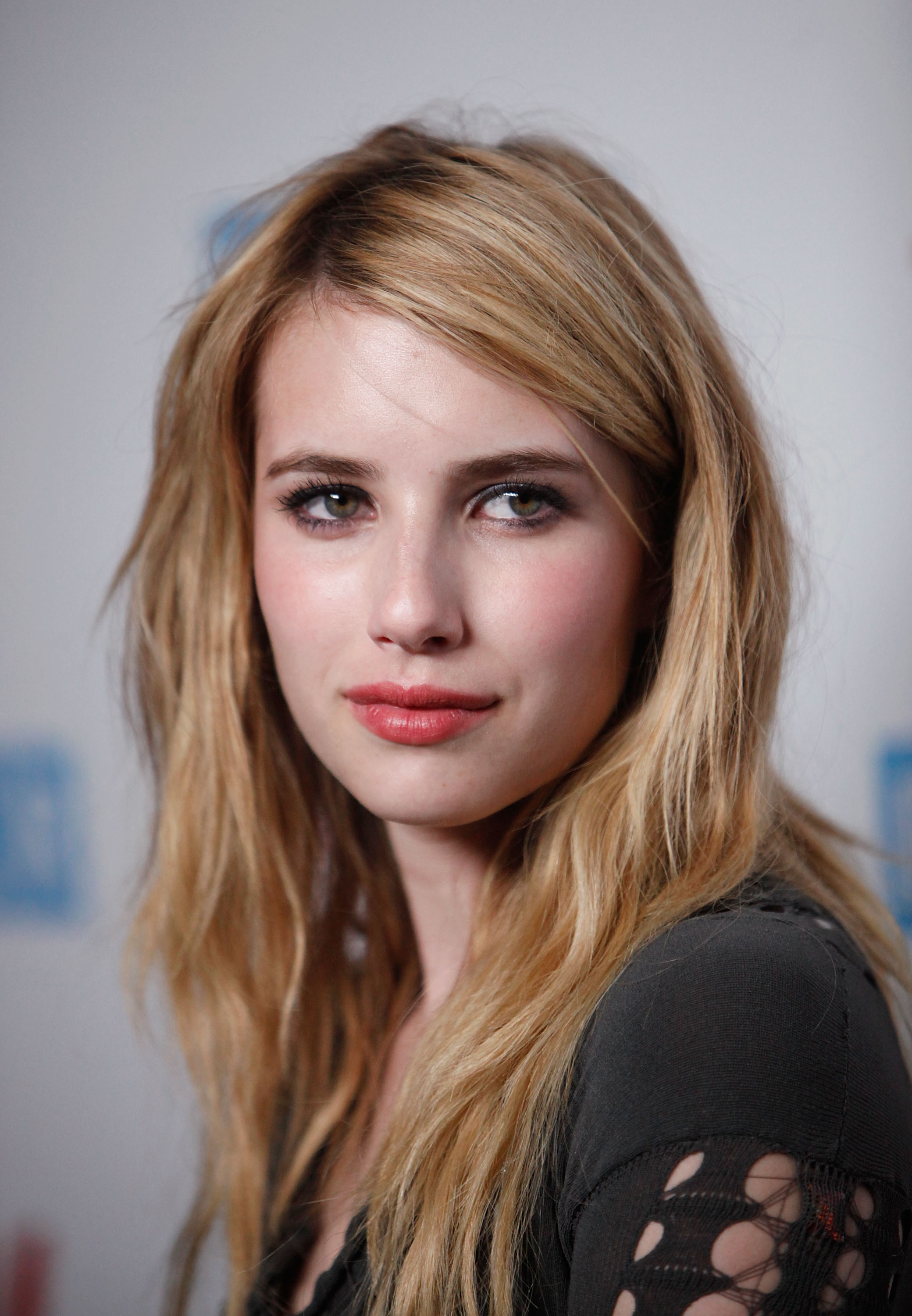 Amazing Emma Roberts Pictures & Backgrounds