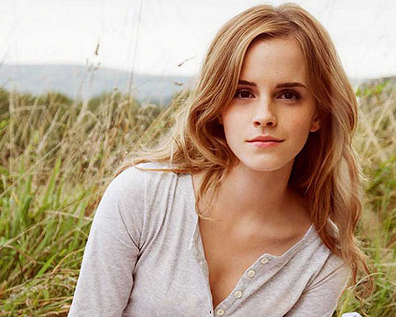 Nice Images Collection: Emma Watson Desktop Wallpapers
