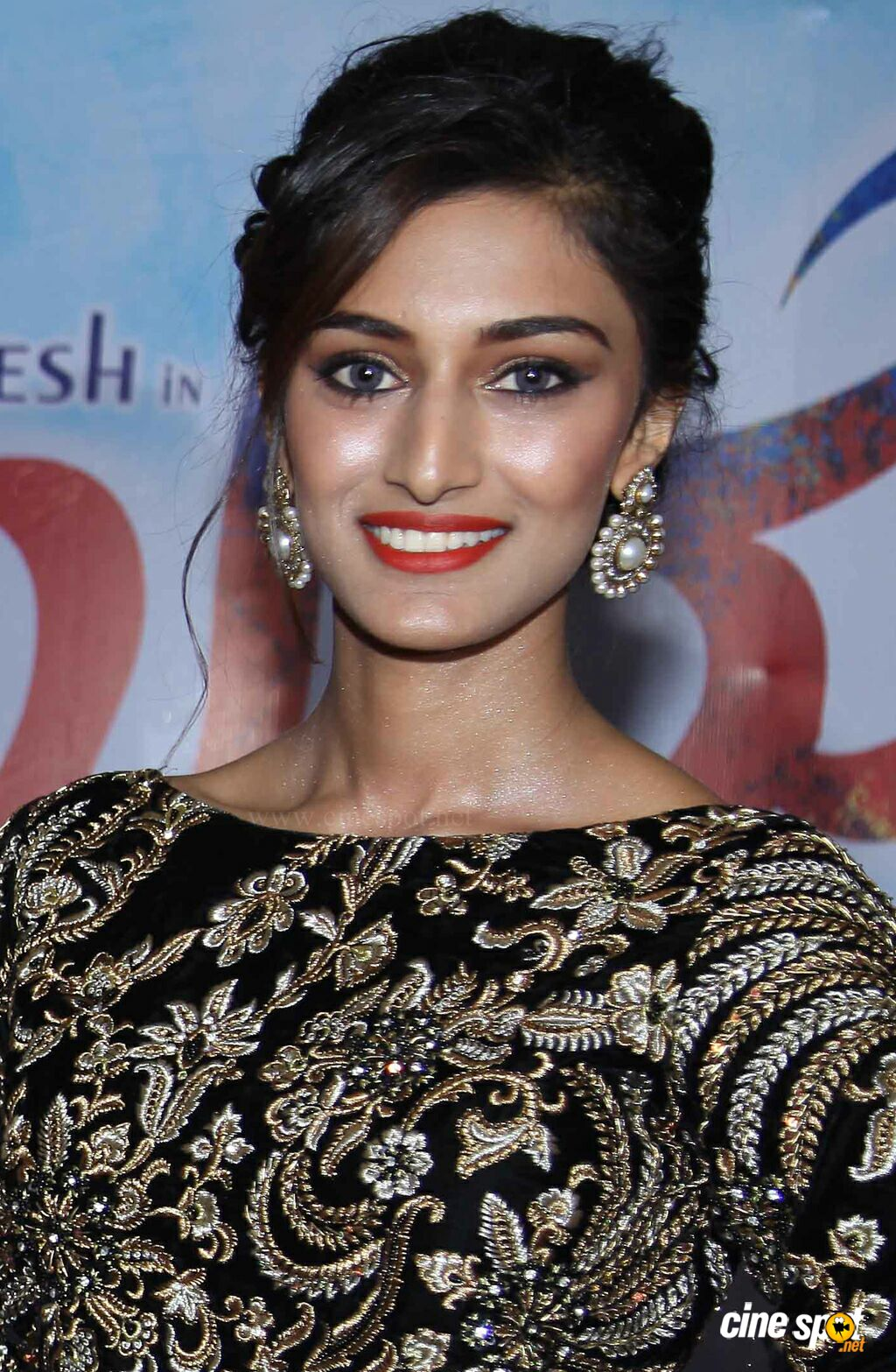 Amazing Erica Fernandes Pictures & Backgrounds