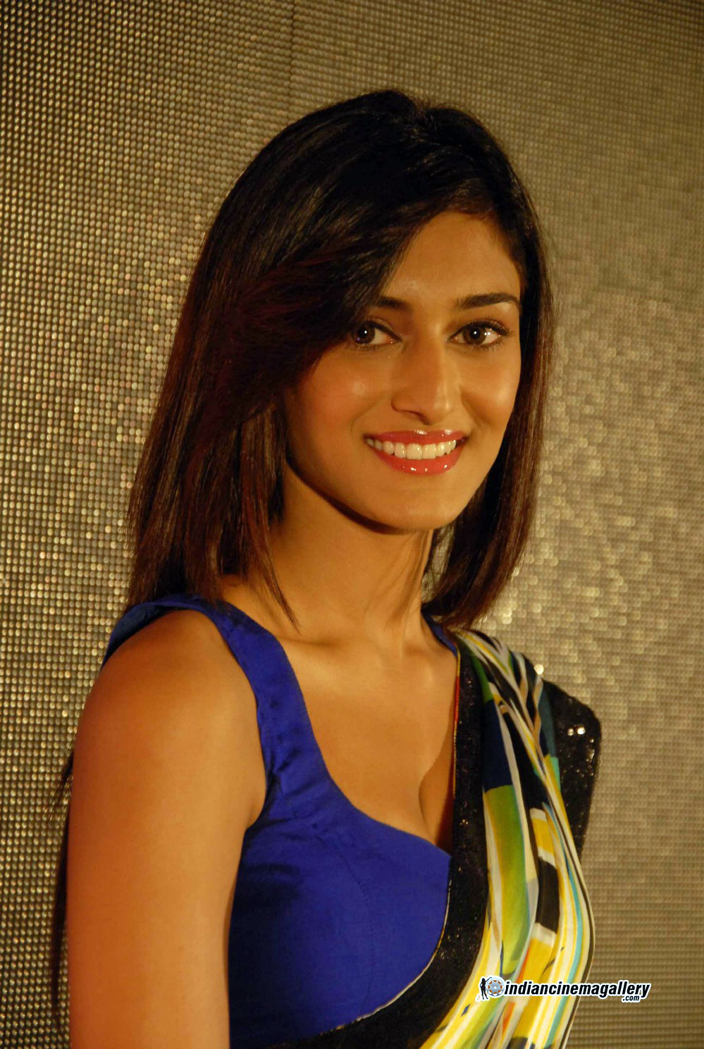 HD Quality Wallpaper | Collection: Celebrity, 999x1489 Erica Fernandes