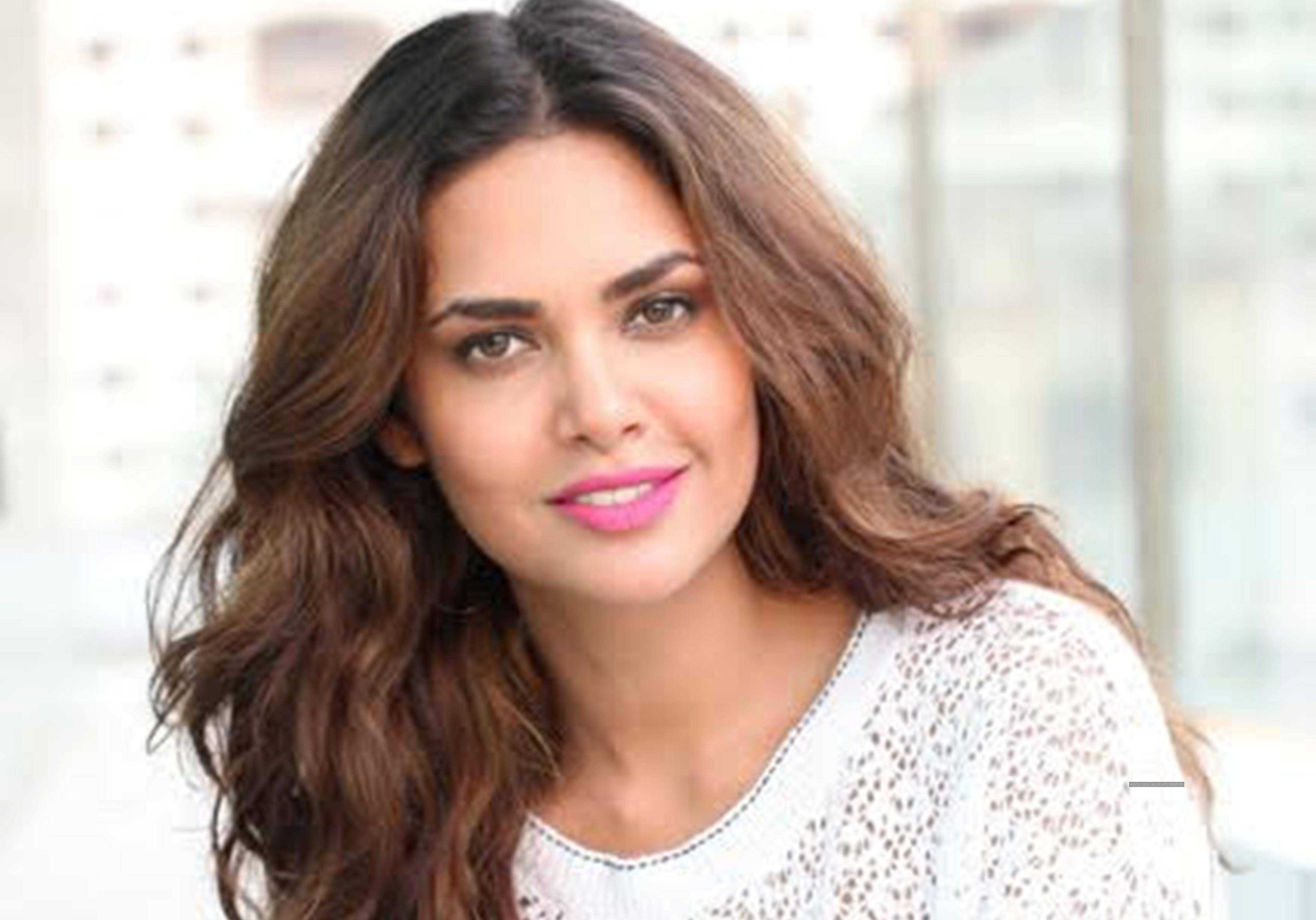 Nice wallpapers Esha Gupta 5337x3729px