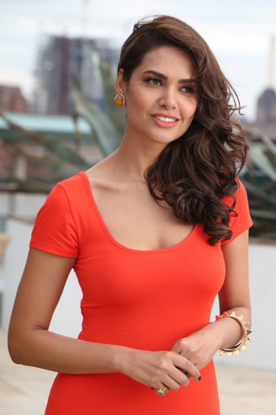 Nice Images Collection: Esha Gupta Desktop Wallpapers