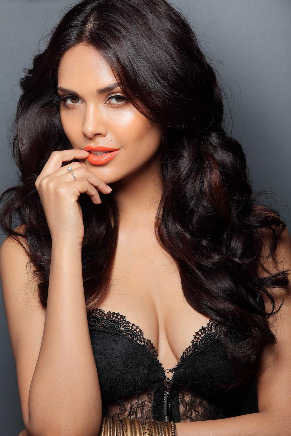 Esha Gupta High Quality Background on Wallpapers Vista