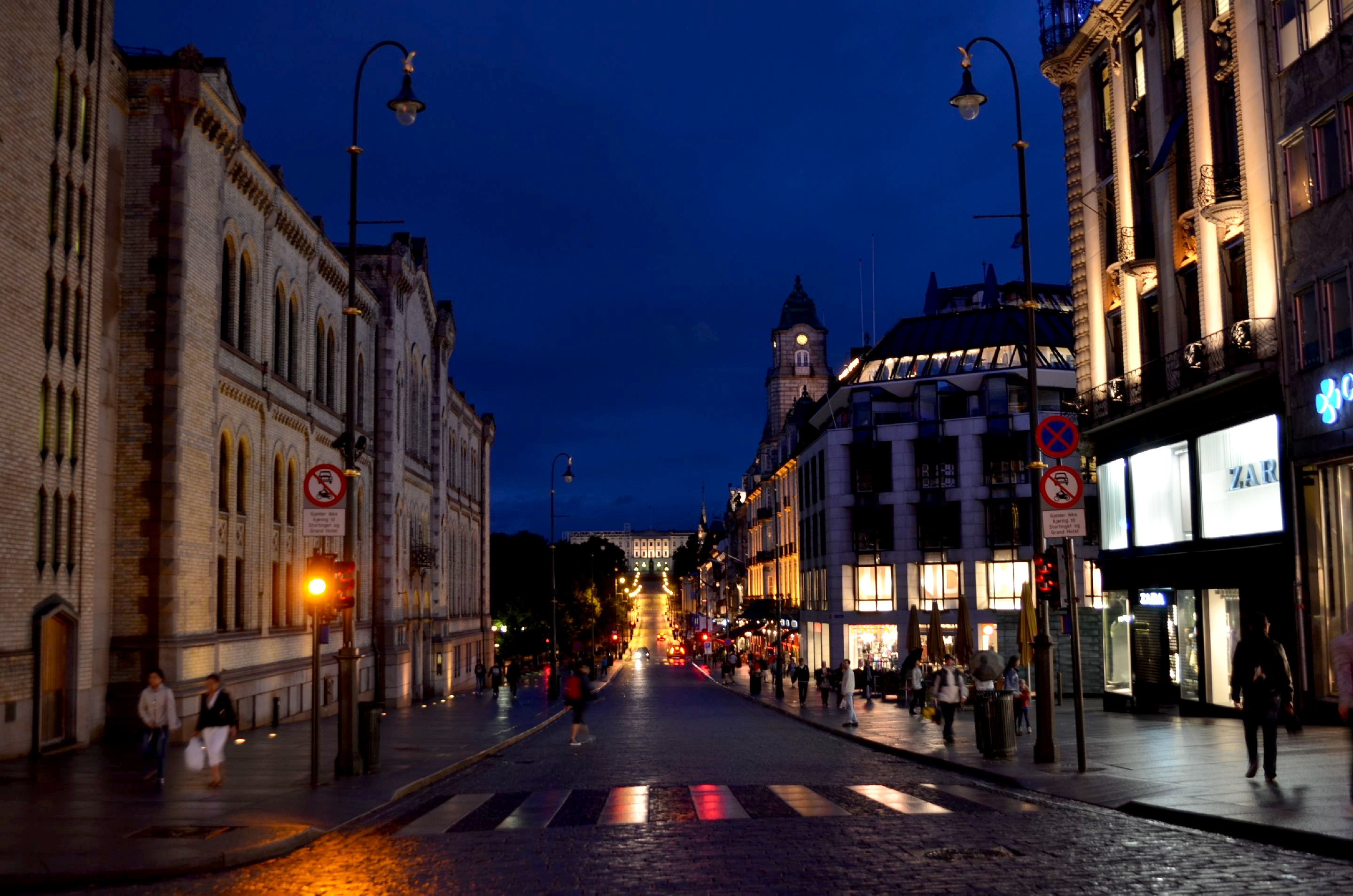 HD Quality Wallpaper | Collection: Artistic, 2880x1908 Evening On Karl Johan Street