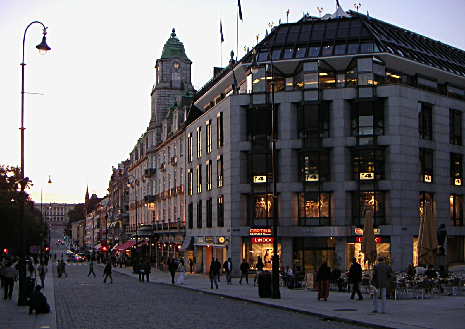 Nice Images Collection: Evening On Karl Johan Street Desktop Wallpapers