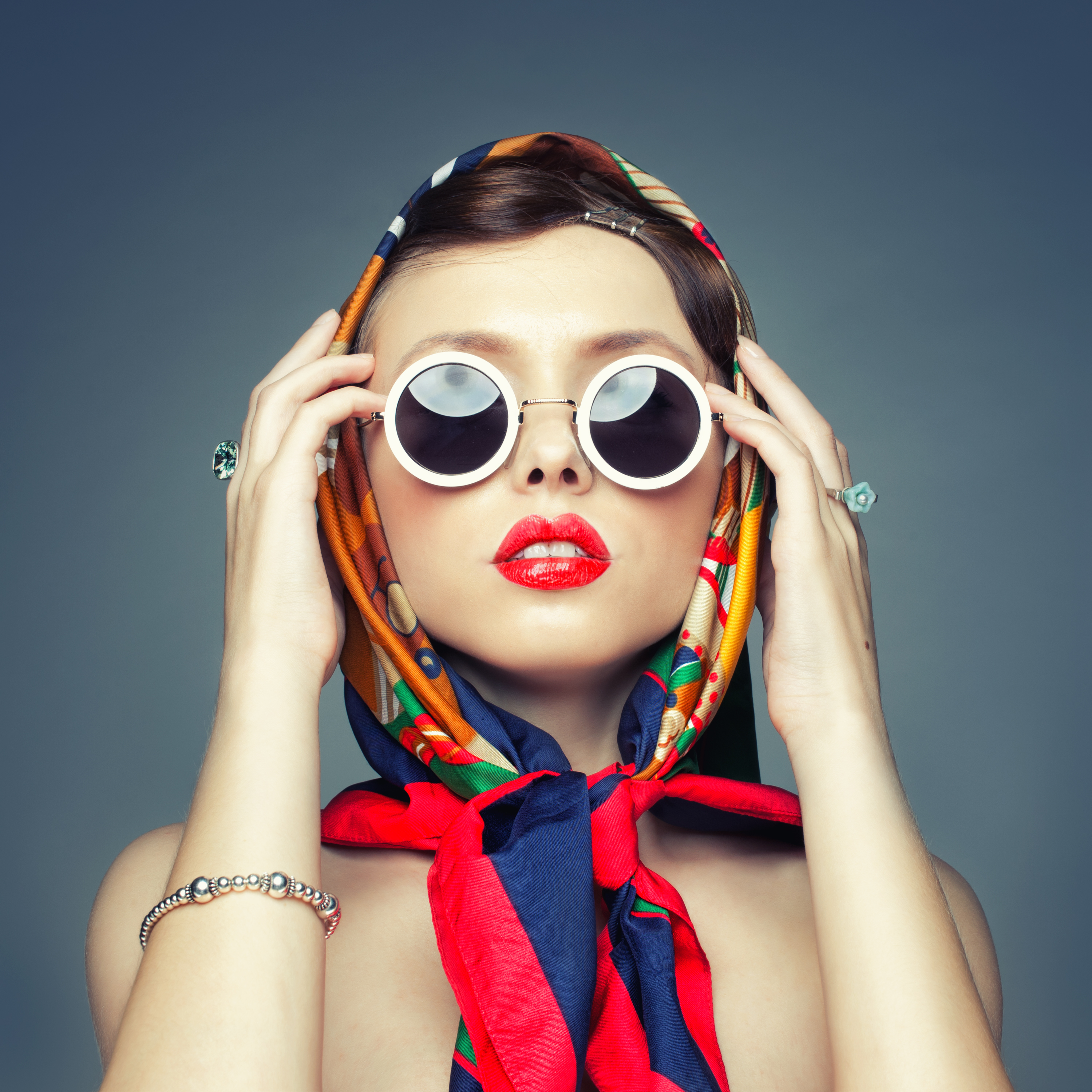 Amazing Fashion Pictures & Backgrounds