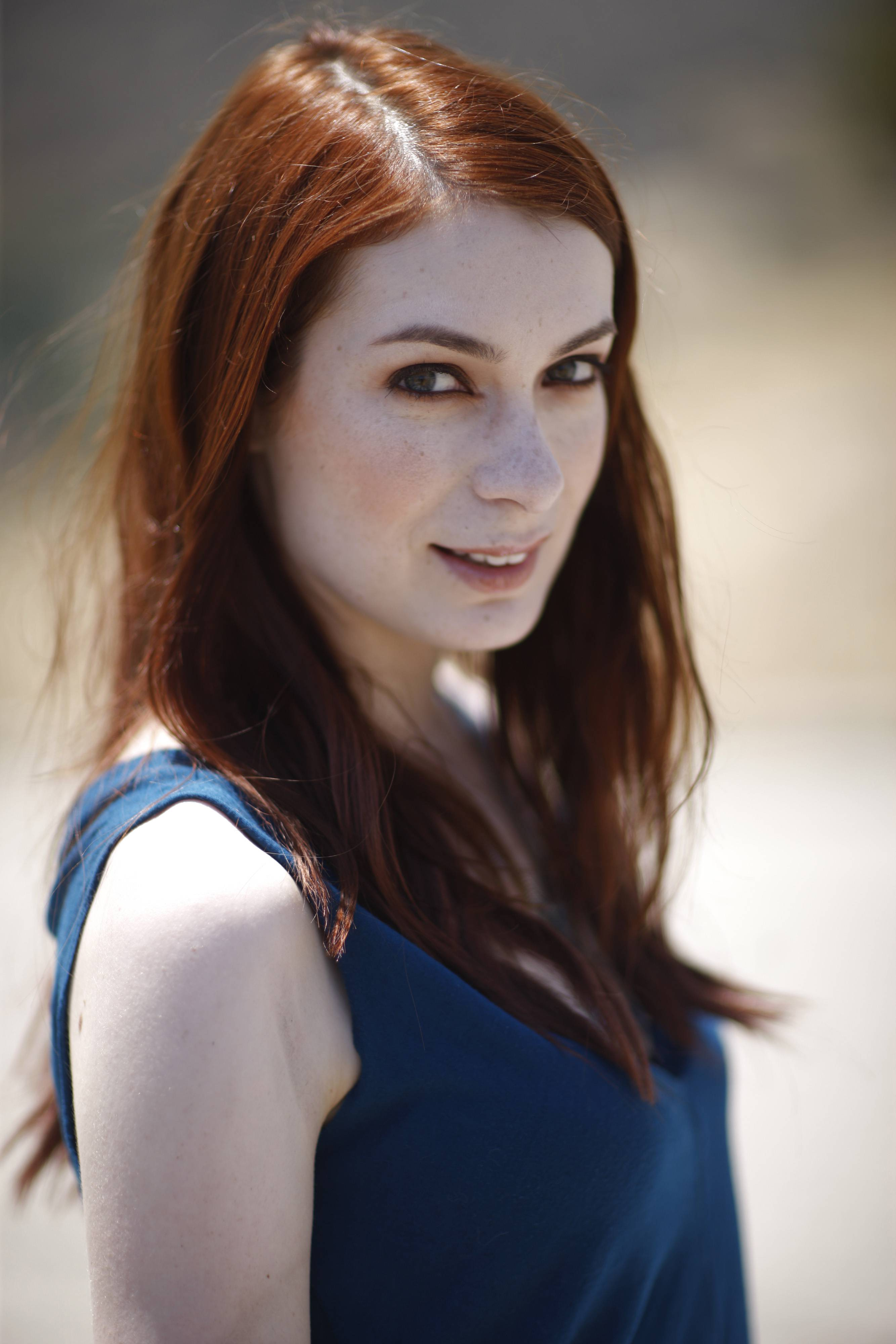 Images of Felicia Day | 2667x4000