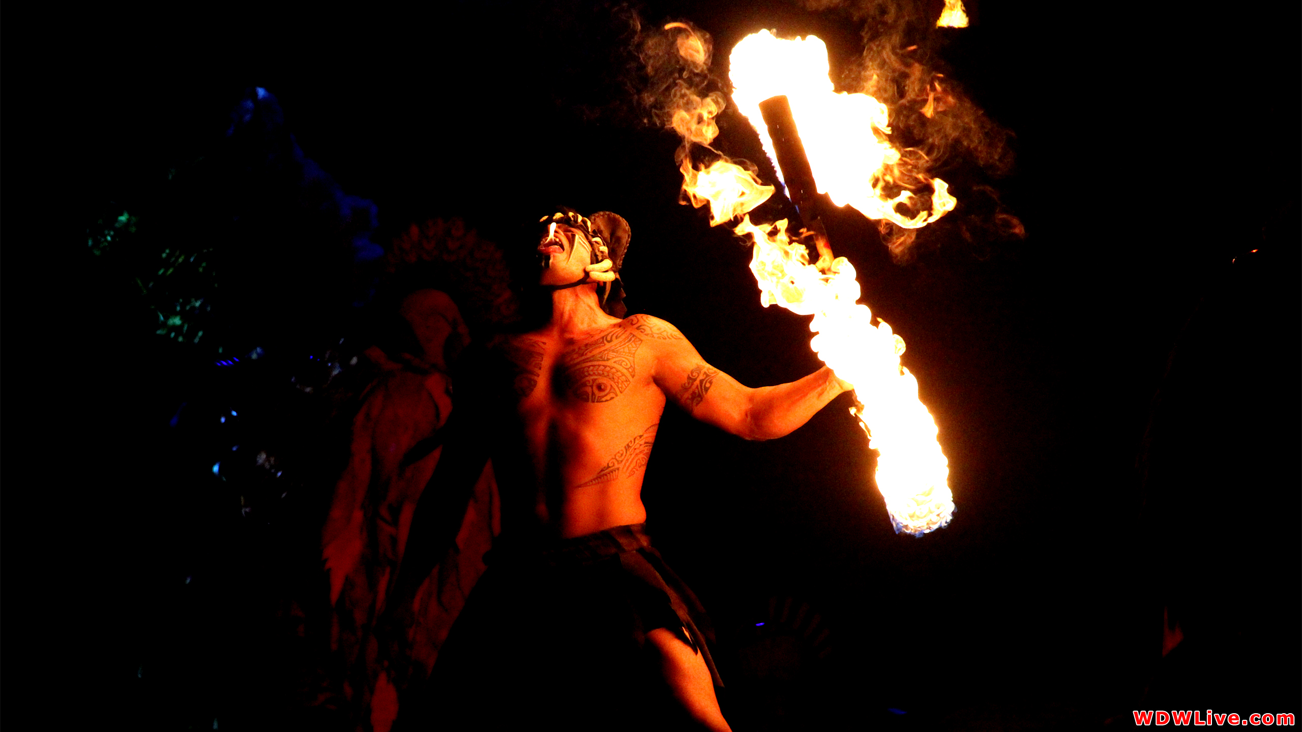 Amazing Fire Juggling Pictures & Backgrounds