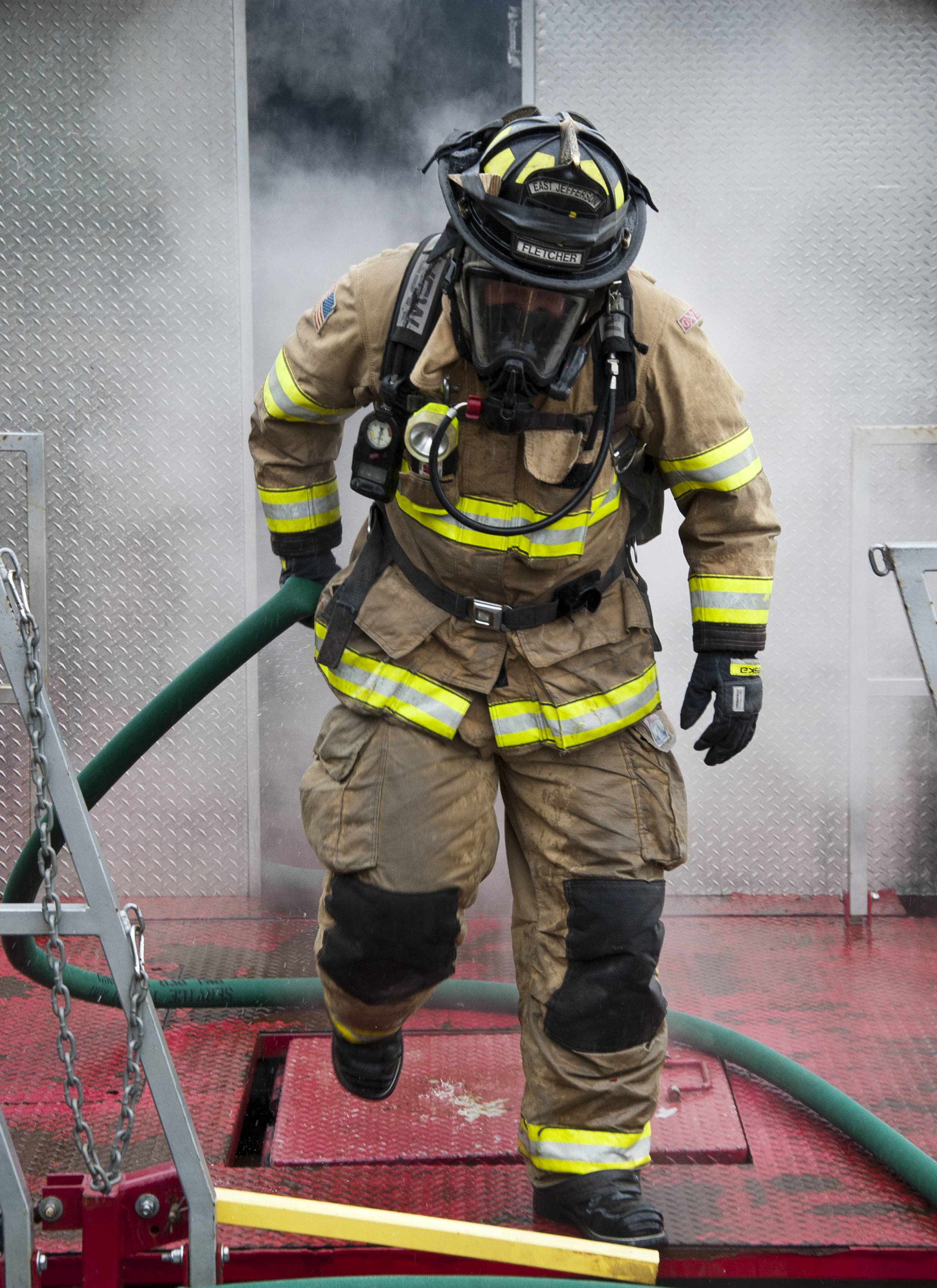 2400x3300 > Firefighter Wallpapers