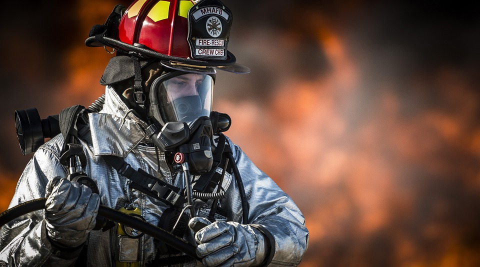 HQ Firefighter Wallpapers | File 134.12Kb
