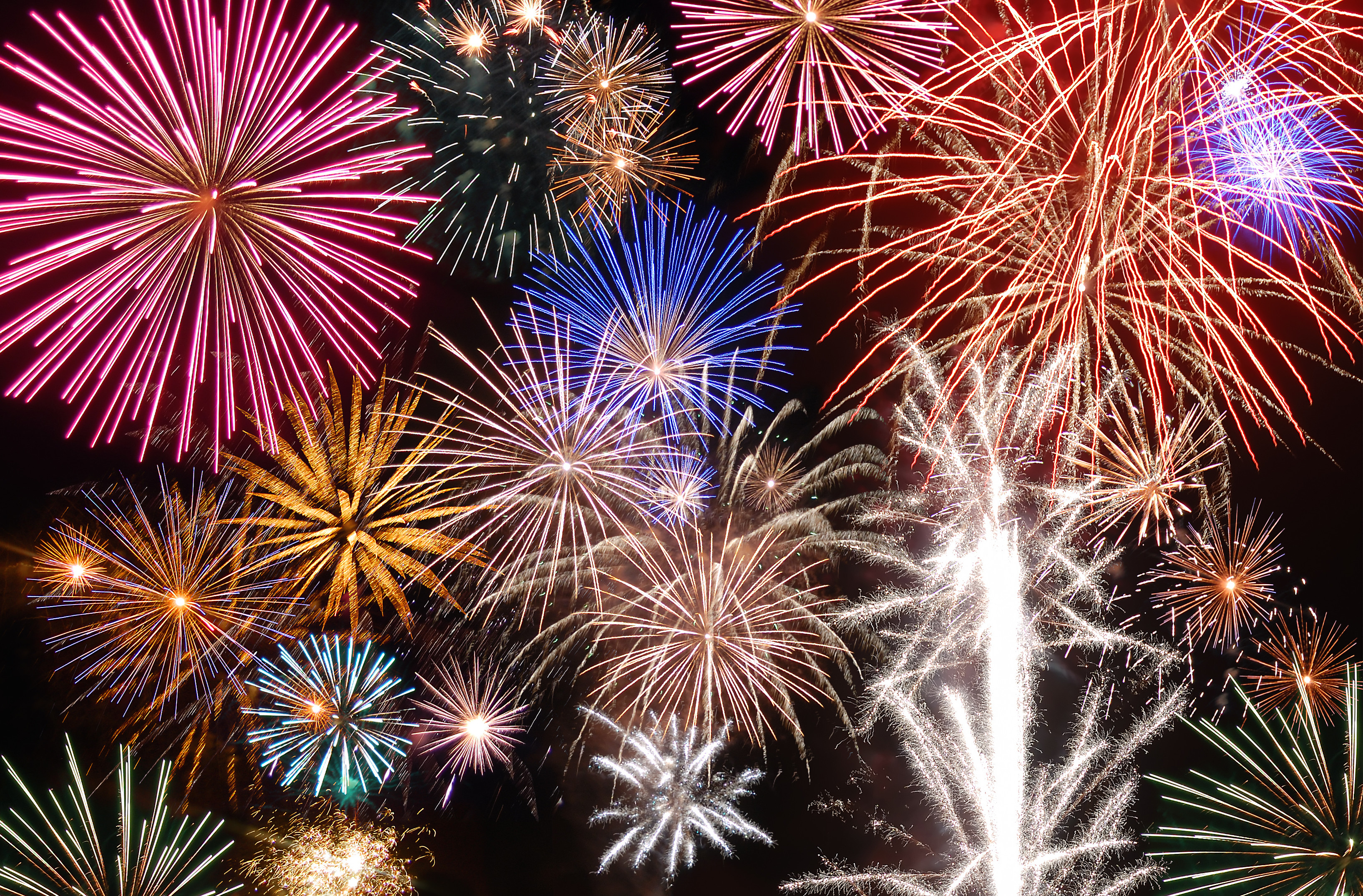 Amazing Fireworks Pictures & Backgrounds