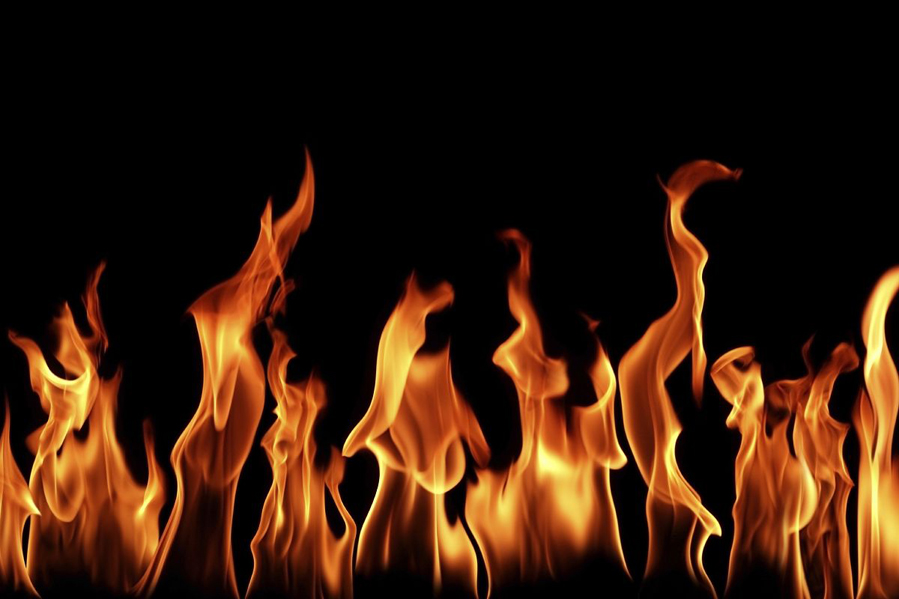 HQ Flames Wallpapers | File 264.75Kb