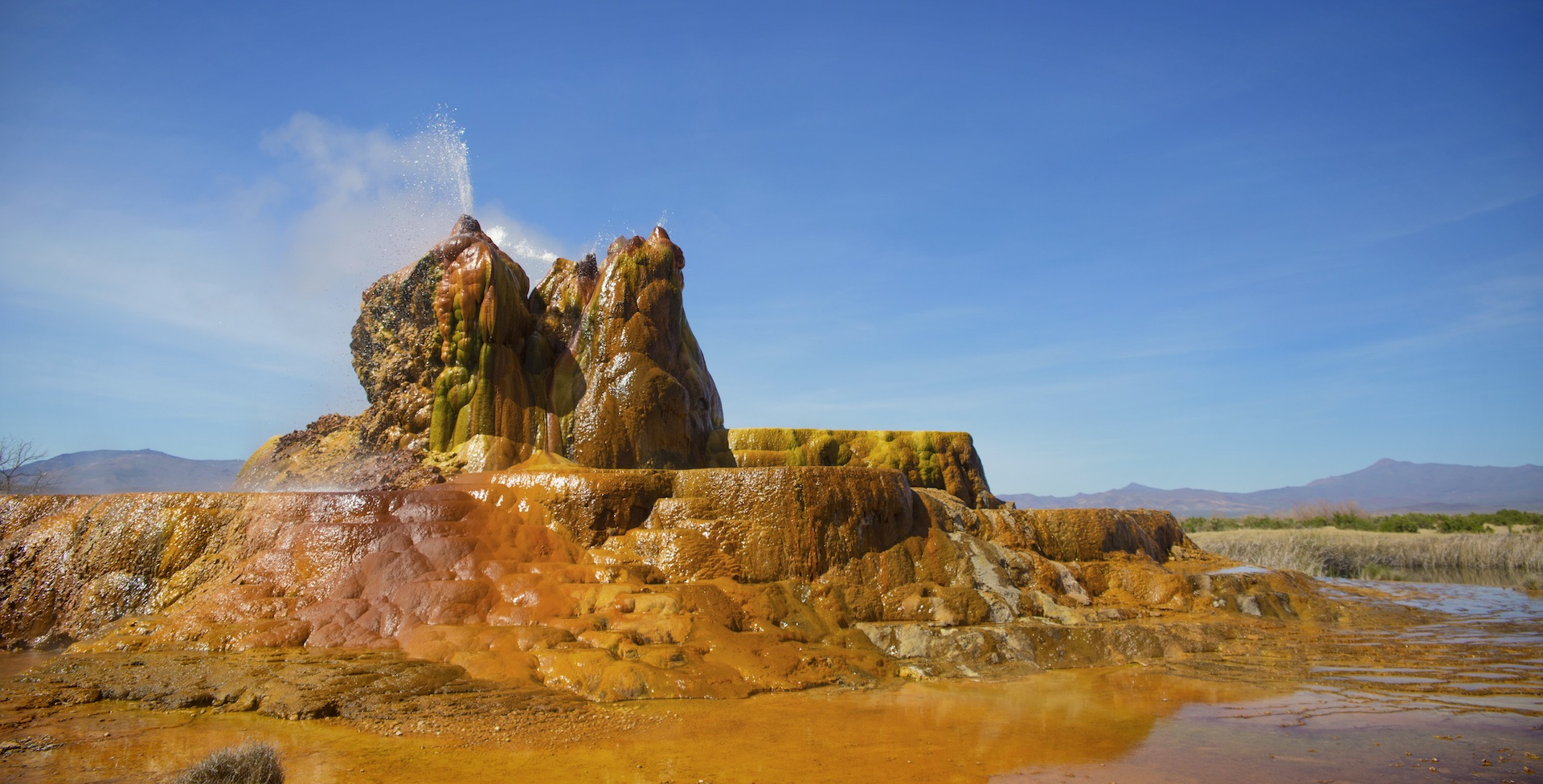 Amazing Fly Geyser Pictures & Backgrounds