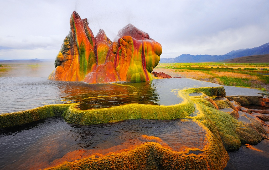Fly Geyser Backgrounds on Wallpapers Vista