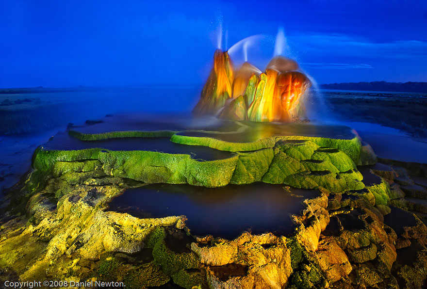 Images of Fly Geyser | 880x596