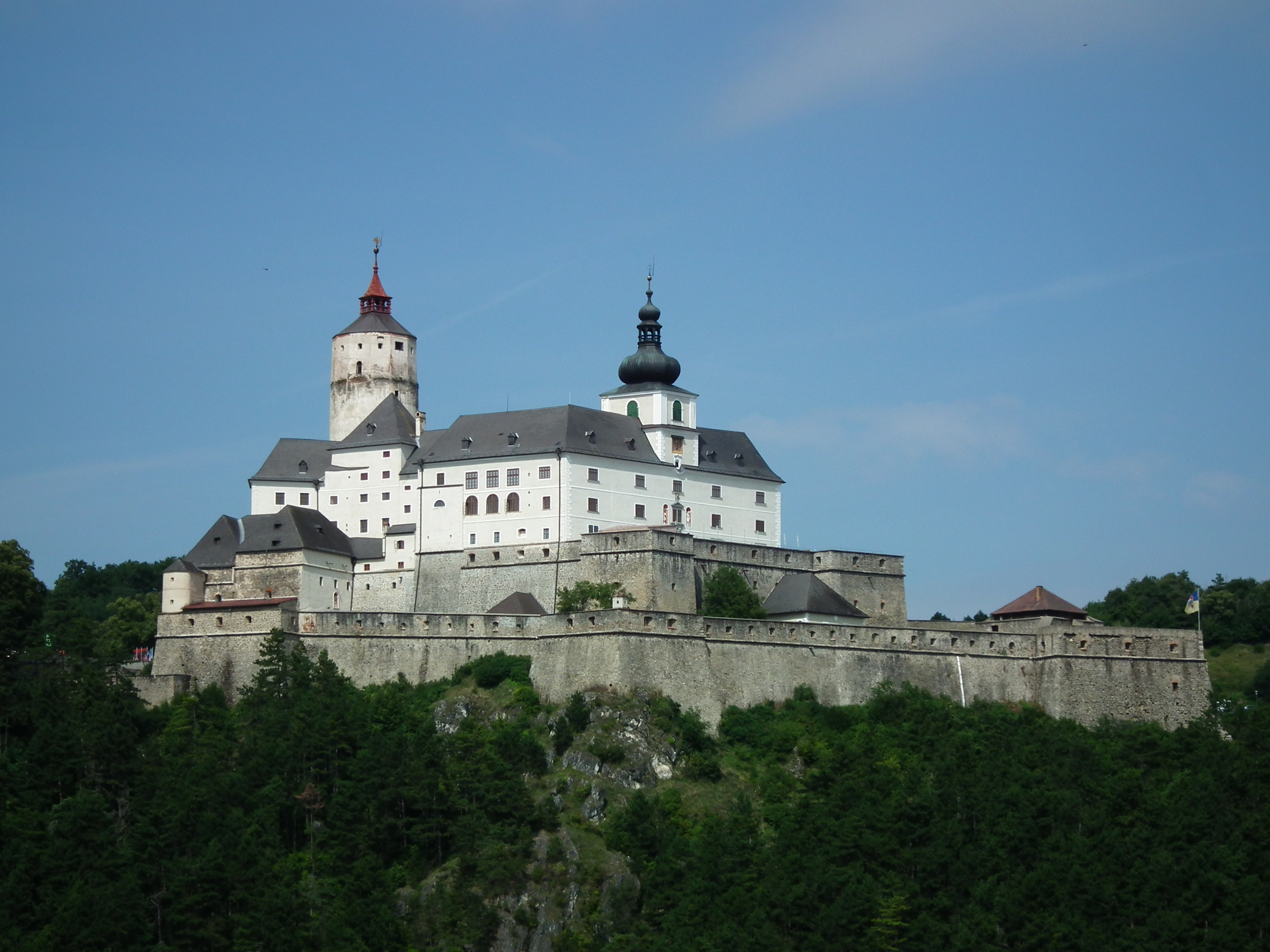 Nice wallpapers Forchtenstein Castle 3648x2736px