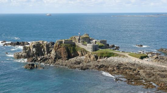 HD Quality Wallpaper | Collection: Man Made, 550x309 Fort Clonque