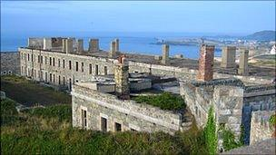 HD Quality Wallpaper | Collection: Man Made, 304x171 Fort Tourgis