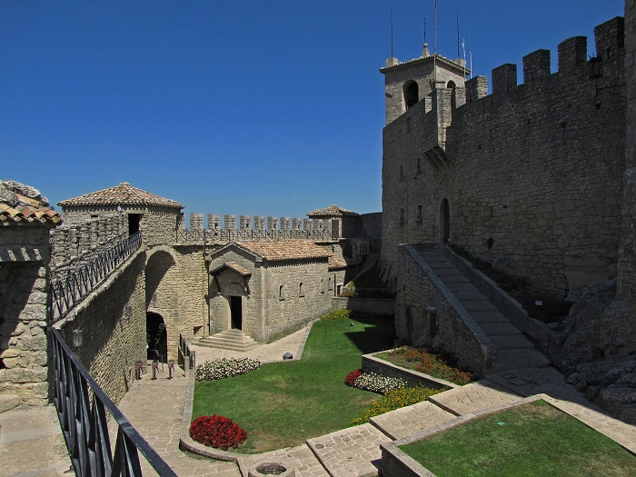 Nice wallpapers Fortress Of Guaita 700x525px