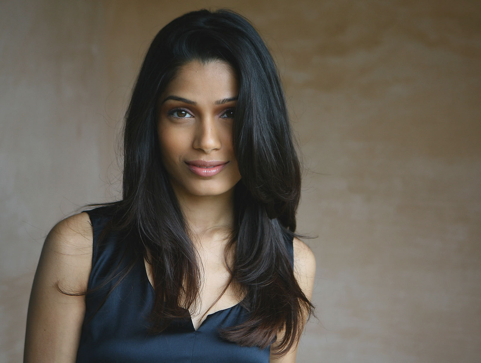 HD Quality Wallpaper | Collection: Celebrity, 1612x1216 Freida Pinto
