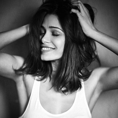 HD Quality Wallpaper | Collection: Celebrity, 400x400 Freida Pinto