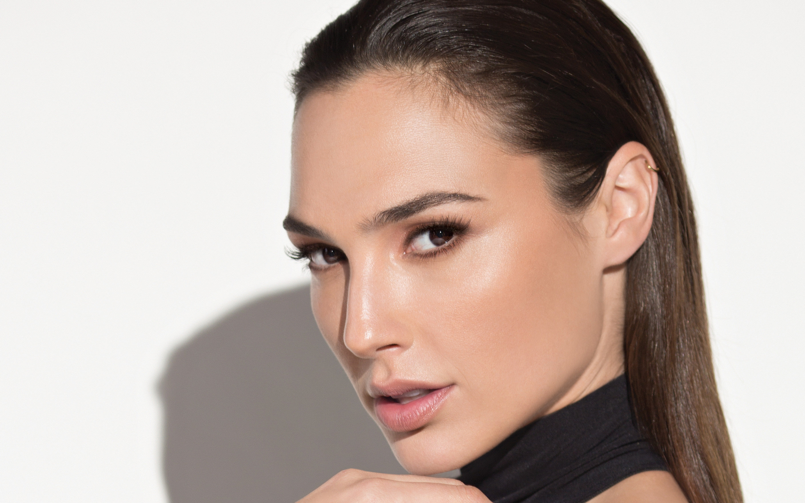 HD Quality Wallpaper | Collection: Celebrity, 2560x1600 Gal Gadot