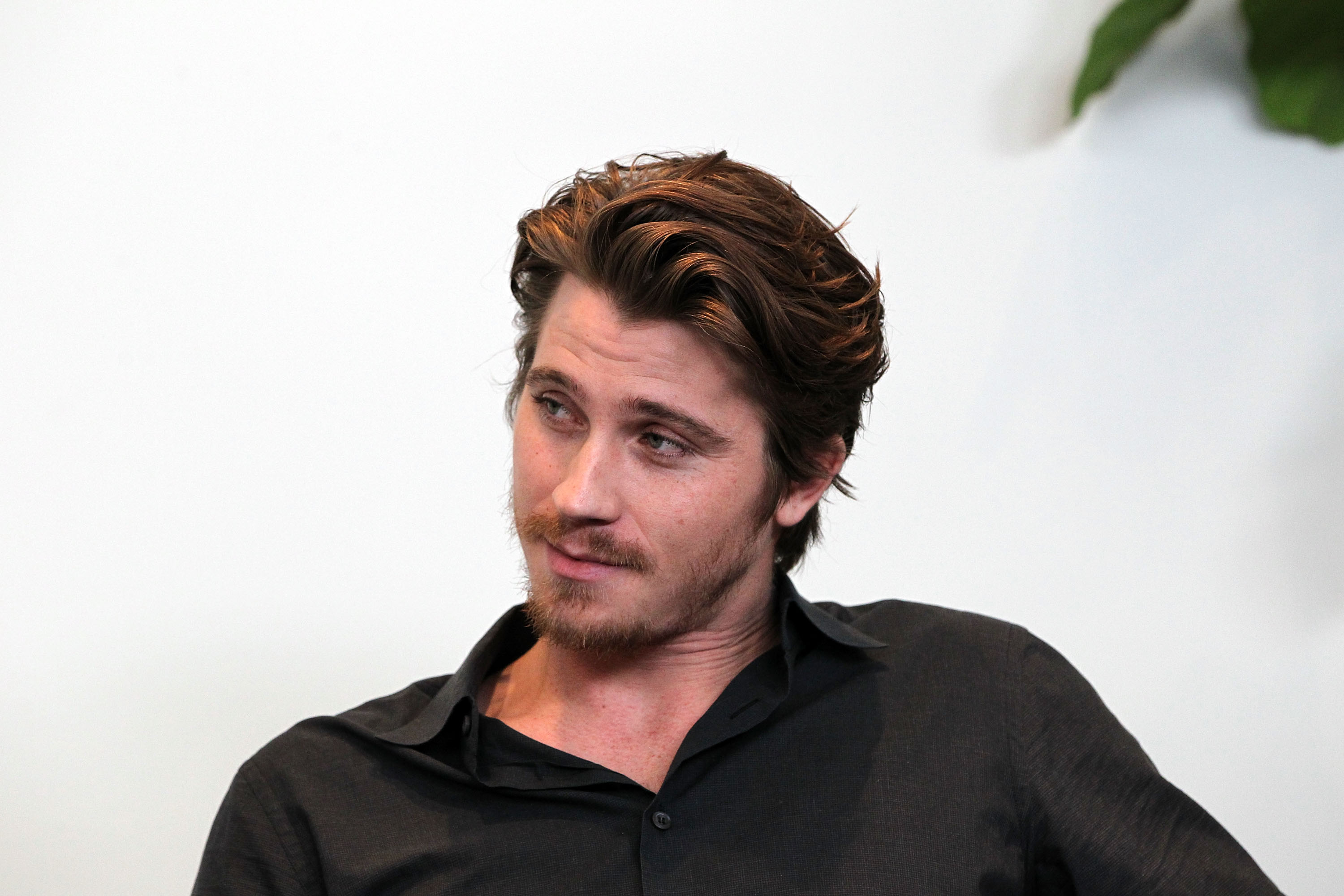Amazing Garrett Hedlund Pictures & Backgrounds