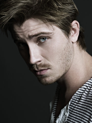 362x483 > Garrett Hedlund Wallpapers