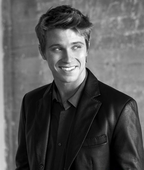 HD Quality Wallpaper | Collection: Celebrity, 493x579 Garrett Hedlund