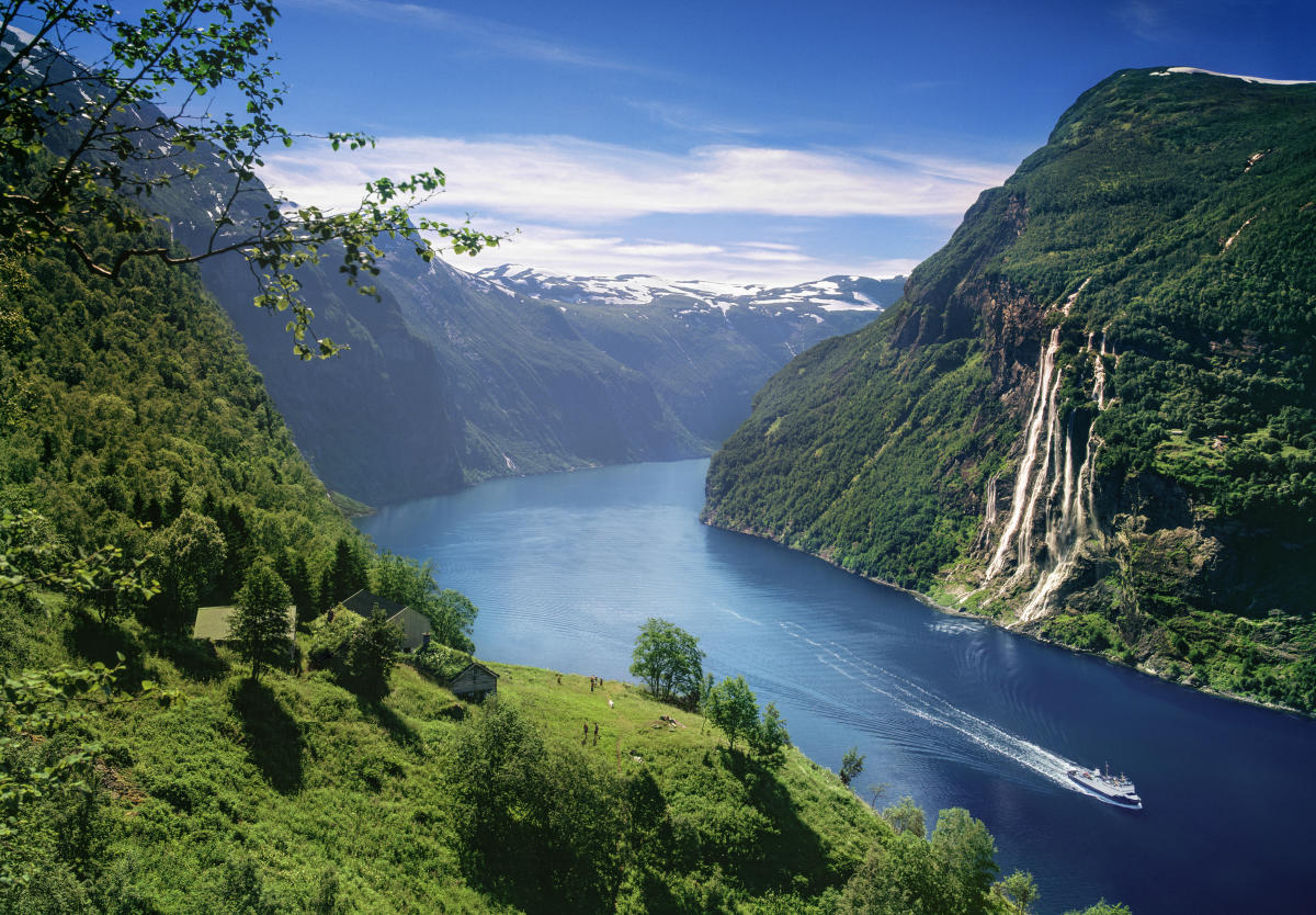 Amazing Geirangerfjord Pictures & Backgrounds