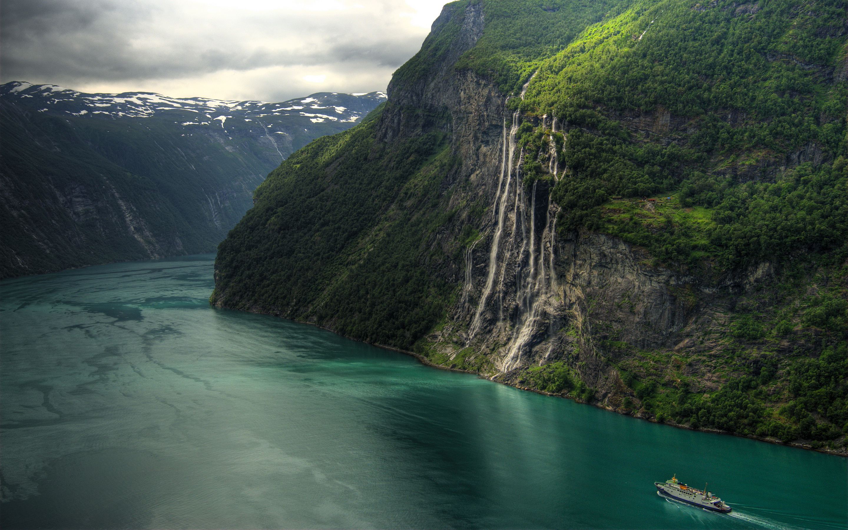 HD Quality Wallpaper | Collection: Earth, 2880x1800 Geirangerfjord