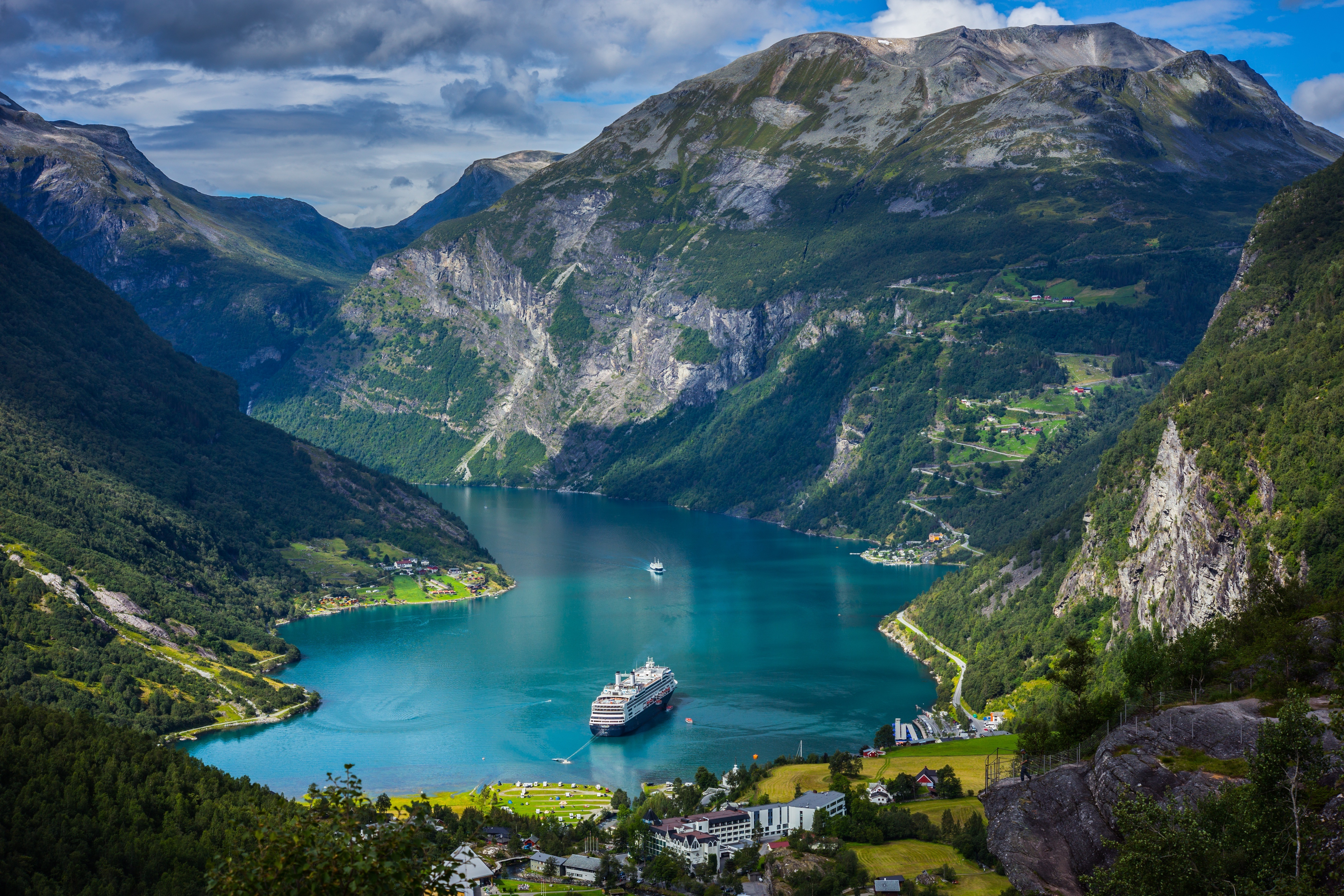 Geirangerfjord Backgrounds, Compatible - PC, Mobile, Gadgets| 5472x3648 px